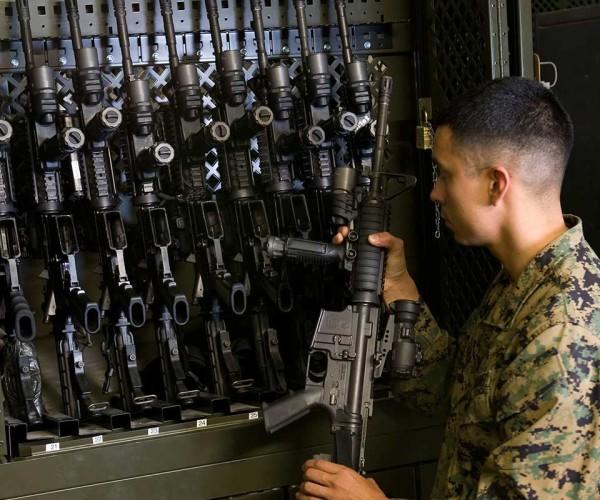 example_weapons_universalweaponsrack_uwr_3