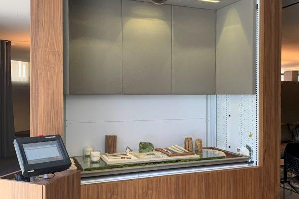 Wall Integrated Vertical Lift